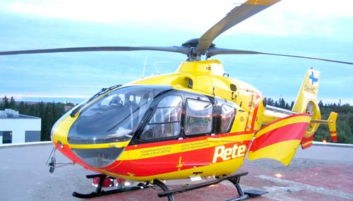 """Osa kotimaista """"kriisinhallintaa"""" on myös pelastushelikopteritoiminta (kuva: Peten arkistosta)"""
